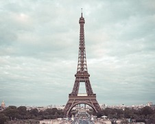 A wall art photo of the Eiffel Tower
